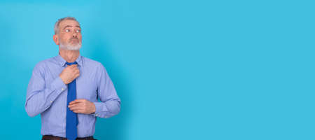 businessman with tie isolated on color background Stockfoto