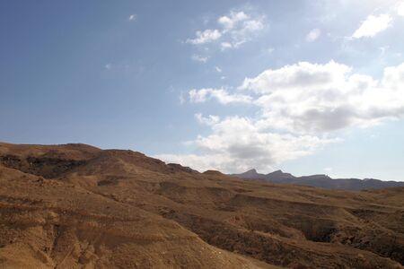 Mountain View of the rocky desert oasis of Tozeur, Tunisia Stock Photo - 12135654