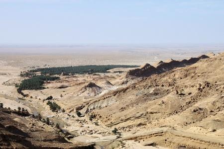 Mountain View del deserto roccioso oasi di Tozeur, Tunisia