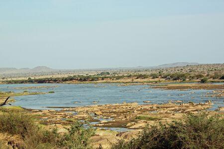 tsavo: Tsavo River, Park Tsavo East in Kenia