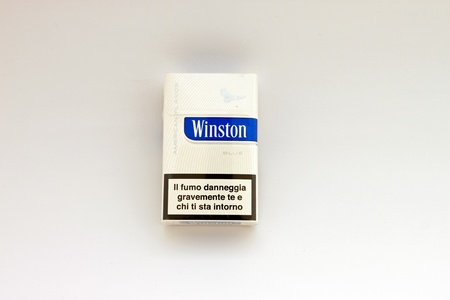 winston: package of Winston cigarettes brand - Blue - American Flavor Editorial