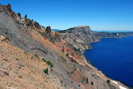 crater lake: Crater Lake wall, Oregon