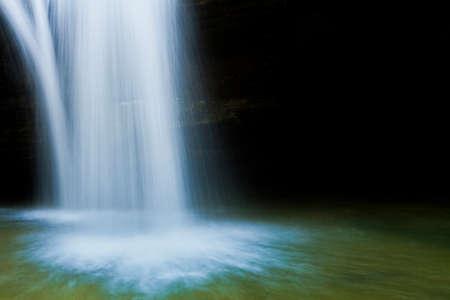 시더 폭포 근접 촬영, Hocking 언덕 주립 공원, 오하이오