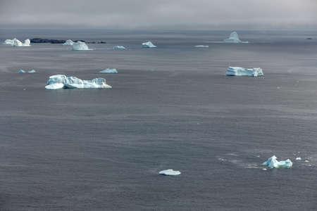 icebergs near Fogo Island, Newfoundland 版權商用圖片