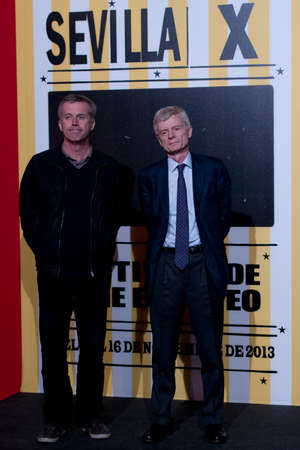 filmregisseur: SEVILLE, SPAIN, November 9: The film director Bruno Dumont and Andre Margarie (Art Channel International Relations) attends the photocall before the screening of the film, Camille Claudel. 1915 - at the Teatro Lope de Vega in the X European Film Festival