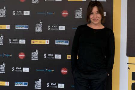 screenwriter: SIVIGLIA, SPAGNA, 10 novembre: Lola Duenas frequentano il photo call prima della conferenza stampa del film sul web -10,000 notti durante X-over Siviglia European Film Festival (SEFF) a Siviglia, Spagna.