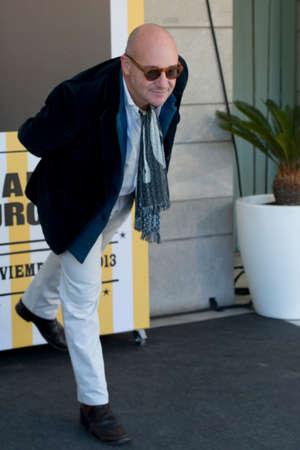 filmregisseur: SEVILLE, SPAIN, November 11: Italian film director Gianfranco Rosi attends the photocal of the movie -Sacro Gra- in Seville, Spain. Redactioneel