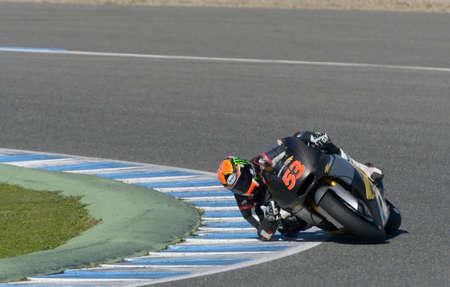 JEREZ DE LA FRONTERA, SPANJE, 19 FEBRUARI, 2014: De Spaanse proef Esteve Rabat tijdens opleiding Moto2 2014 op de renbaan in Jerez de la Frontera, Spanje.