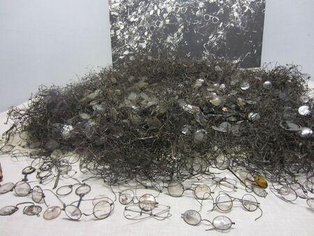 confiscated: Occhiali confiscati da detenuti di Auschwitz Archivio Fotografico