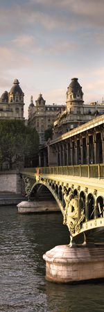 bridge and building at the historical center of Paris Stock Photo - 5906058