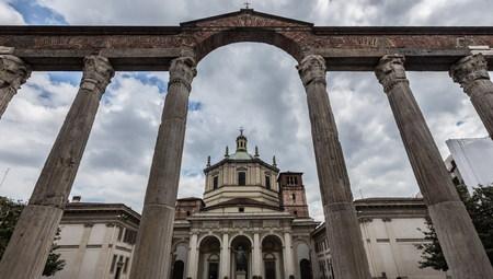 lorenzo: San Lorenzo Basilica in Milan, Italy