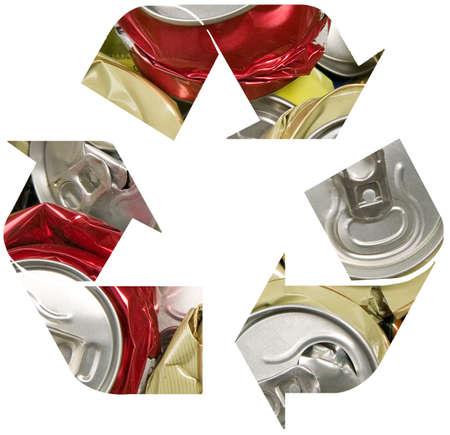 crushed aluminum cans: S�mbolo de reciclaje de roto puede, la contaminaci�n y el reciclaje de concepto