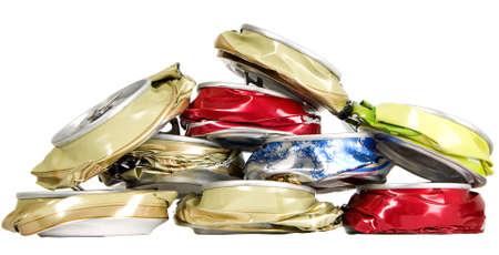 crushed aluminum cans: Forma a partir de latas aplastadas, la contaminaci�n y el concepto de reciclaje