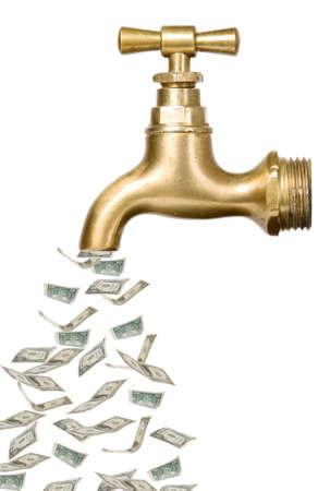 llave de agua: Grifo oro de la vendimia con el dinero que sale Foto de archivo