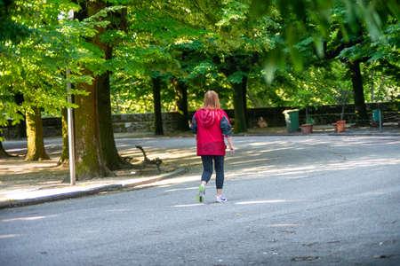 woman running at the park 免版税图像