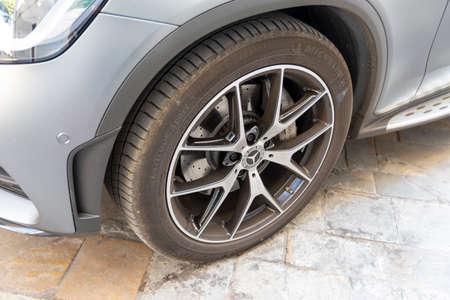 rim of a sports car Фото со стока