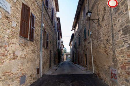 Architecture of streets and squares in the town of Montefalco 免版税图像