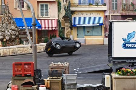 firmeza: París - Disney Studios, 08, 13, 2010 - Stunt Show Spectacular Moteurs Acción Editorial