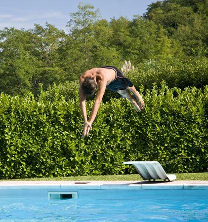 felice: Tuffo in piscina