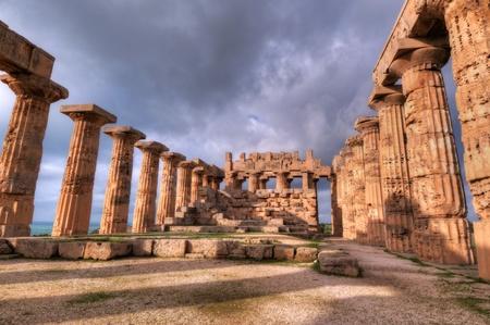 High Dynamic Range image of the temples of Selinunte Standard-Bild