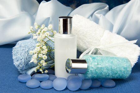 productos naturales: productos naturales para el cuidado del cuerpo en el fondo de color