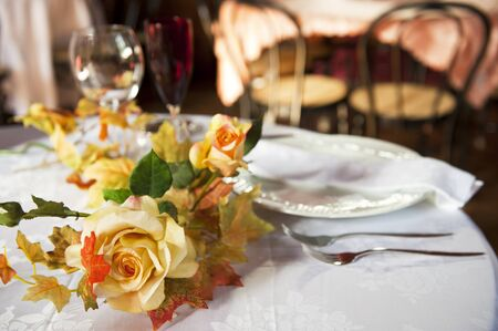 spouses: a table set for two spouses Stock Photo
