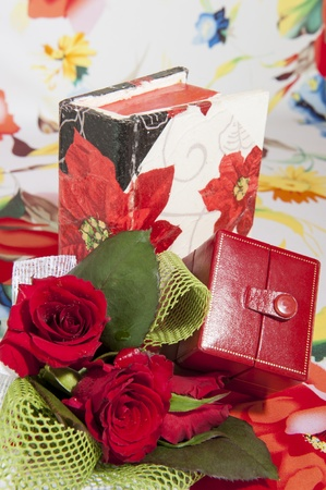 Flowers and box jewelry for a Valentine photo