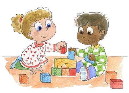 niños de diferentes razas: Una chica rubia caucásica y un niño negro de piel lindo que juega con los ladrillos de la imagen aislada de acuarela de color