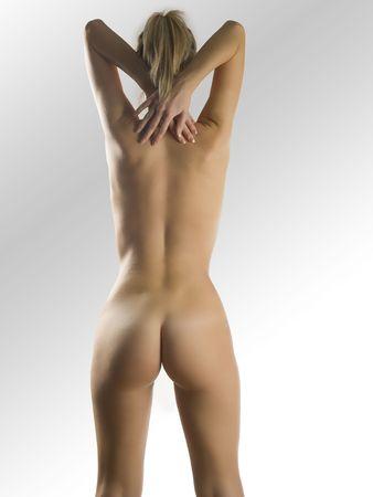 desnudo artistico: Una hermosa joven que muestra su cuerpo desnudo