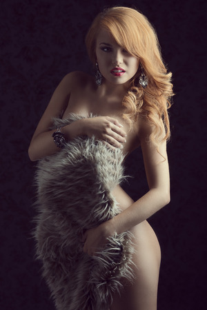 nude-ginger-girl