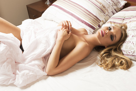 women-naked-nude-laying-down