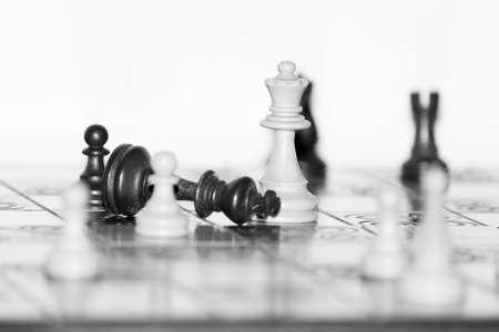 Schaken gefotografeerd op een schaakbord