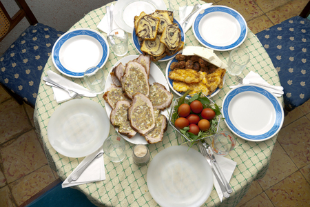 romanian: Table with romanian food in Saint Week Stock Photo