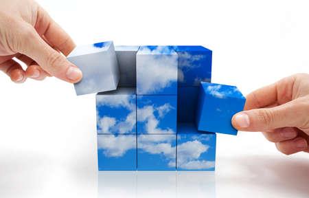 ontwikkeling: Concept van duurzame ontwikkeling met kubus puzzel en hemel