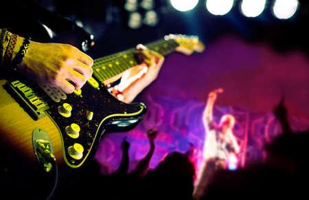 karaoke singer: Live music background,Guitar player and public