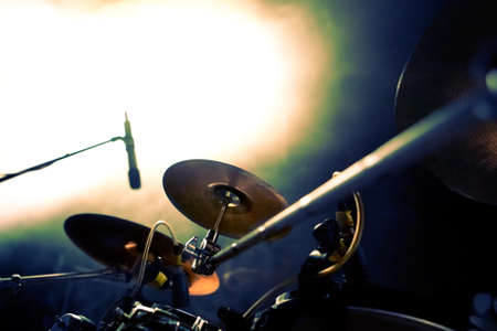 cymbals: drum on stage.