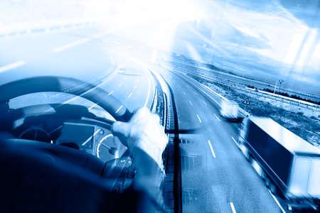 運輸: 摘要背景卡車和transport.Highway和交付。 版權商用圖片
