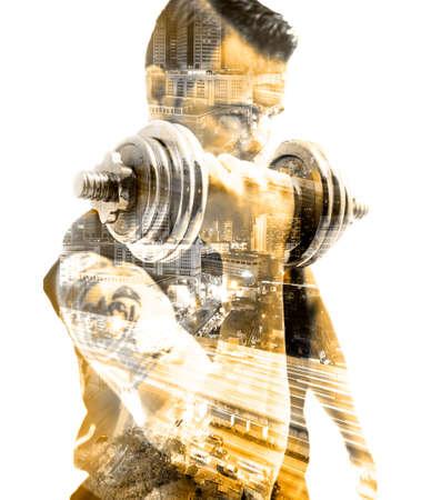 Attrezzatura da palestra e concetto di sport Sfondo forte e movimento Manubri Doppia esposizione. Archivio Fotografico - 94280262