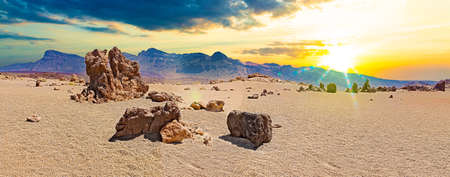 Beautiful view of amazing Teide scenery with exotic rocks and mountains. Canary island.Gran Canaria Natural Park Banque d'images