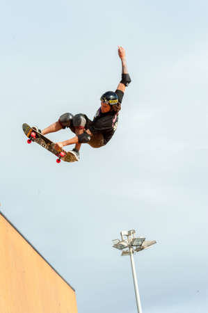 lizzie: TONY HAWK - flying -TONY HAWK AND FRIENDS SHOW 2014 - Cascais