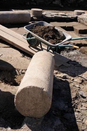 """Kolom in de patio van het """"Domus Archeologische site Chao Samartin Asturias SPANJE Redactioneel"""