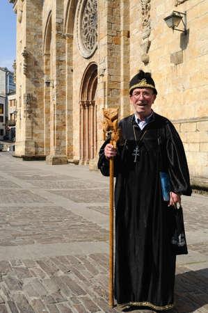 alvaro: Man dressed as Merlin Magician ( Alvaro Cunqueiro book)   Plaza de Espa�a  MONDO�EDO .  Province of  Lugo.  Galiza . SPAIN   Editorial