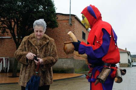 ancestral: Razbona , SPAIN - 6 JANUARY, 2011 - Mask    La Botarga   magical characters at carnival. ( Crop improvement ). Asking for alms in  RAZBONA    Province of  Guadalajara.  Castille- La Mancha . SPAIN   Editorial