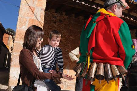 """Retiendas, ESPAÑA - 06 de febrero 2011 -; CARNAVAL """"botarga - Motley LA CANDELARIA"""" RETIENDAS (rango Tamajn montaña) Provincia de Guadalajara. Castilla-La Mancha. ESPAÑA Foto de archivo - 12256510"""