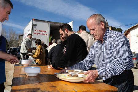 """Retiendas, ESPAÑA - 06 de febrero 2011 -; CARNAVAL """"botarga - Motley LA CANDELARIA"""" RETIENDAS (rango Tamajn montaña) Provincia de Guadalajara. Castilla-La Mancha. ESPAÑA Foto de archivo - 12256516"""