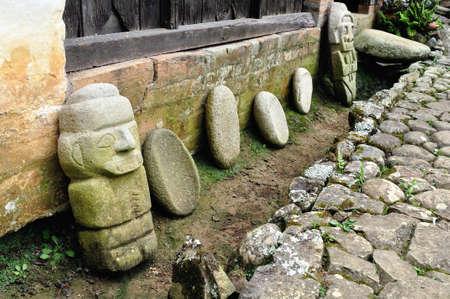 san agustin: San Agustin cultura piezas-Fundacion Batan en SAN Departamento de Huila COLOMBIA AGUSTIN