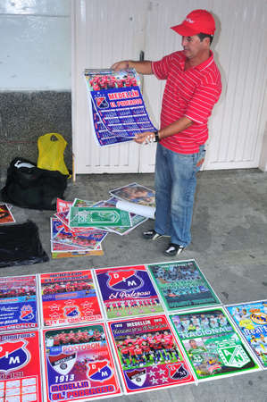 antioquia: Seller of posters, San Javier district in MEDELLIN .Department of Antioquia. COLOMBIA   Editorial