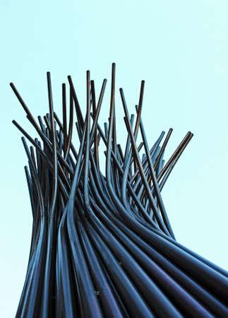 perspectiva lineal: Trastorno de tubos de estructura abstracta tubular vertical con la parte superior de la final