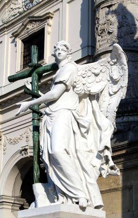 st charles: Statua di St Charles