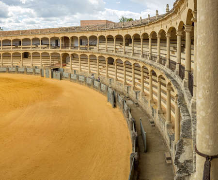 toros: The Plaza de toros de Ronda the oldest bullfighting ring in Spain. Built in 1784 in Neoclassical style by architect Jos Martin de Aldehuela The arena has a diameter of 66 metres surrounded by a passage formed by two rings of stone and 136 pillars that mak Editorial
